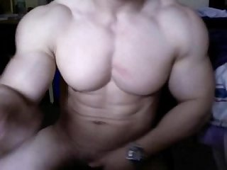 Huge asian bodybuilder cums and flex on cam