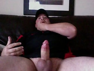 Beefy bear jerk off