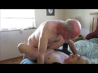 Old couple met online for a hot sex encounter