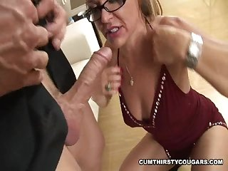 Kelly leigh is a cum thirsty cougar