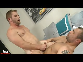 Jaxx spreads Scott�s legs & shoves his tongue into his hole