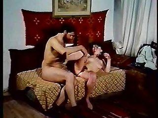 Greek porn vintage kai i proti daskala