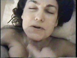Amateur facial cumshot-she doesnt seem to enjoy