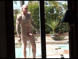 Tattooed naked window washer spycam