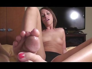 Amiee long toes footjob
