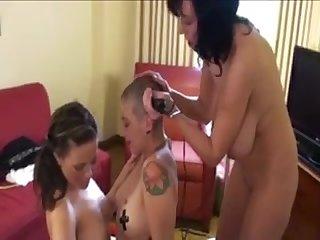 Lesbians shave emo girls head