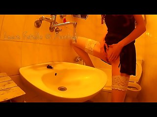Naughty Laura fatalle pee in the sink