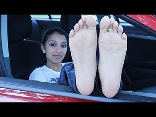 Mustseefeet Nia exposing her perfect soles and toes by the car window
