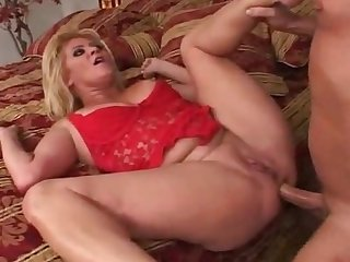 Blonde cougar bangs hard