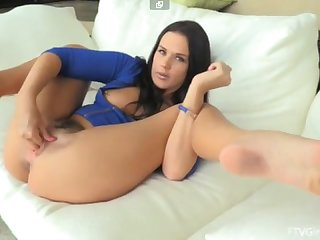 Roxy raye hardcore vibrator and fisting
