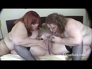 Eliza allure and her gfs play with each other