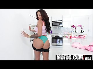 Latina sex tapes busty colombians jamie valentine plays with her food