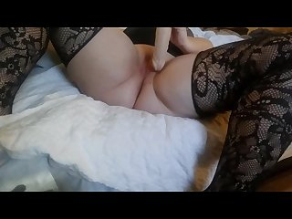 Curvy girl squirts while toying her pussy and ass