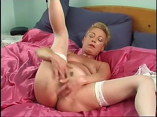 Secrets of horny mature 1 scene 3