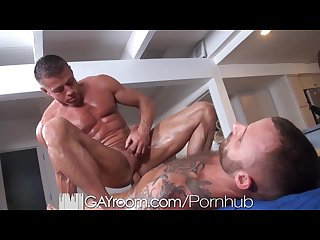 Gayroom bodybuilder s gets happy ending massage