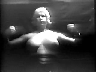 Old time naked strong woman pecs and traps wow