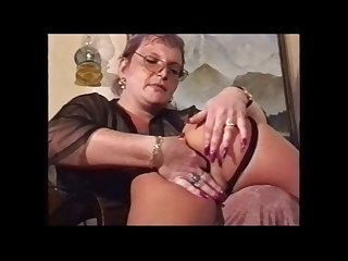 Mother gets young girl pussy