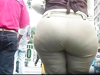 Big butt mature round ass street voyeur hidden camera