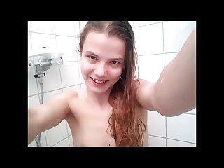 19 jahre teen pisst in die dusche natursekt lola lacita
