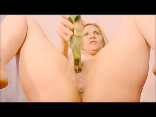 Bottle in pussy insertion and squirting orgasm