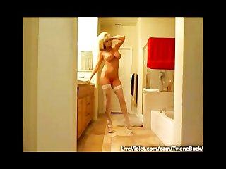 Pornstar tylene buck posing on webcam