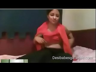 desi girl removing her clothes (desibabesgalleries.com)
