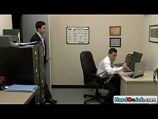 Guy sucking his gay boss by hardonjob