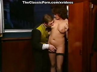 Au Caprice group blowjob