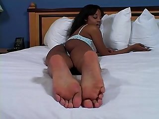 black girl joi to her feet
