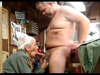 Barbudo Macho levando Chupada www sexopornoadulto com
