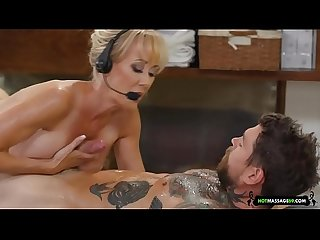 Brandi Love massage