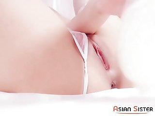 Chinese push an egg into her pussy - https://asiansister.com/