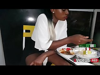 I meet Estelle, Cameroonian student at the restaurant.I offers him a sexvideo