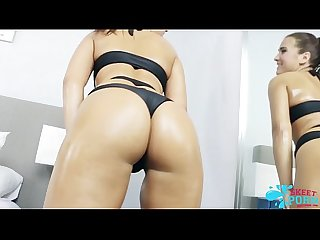 Desira rose shaked her ass more