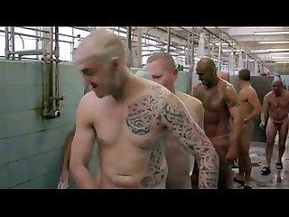 Desnudos uno le agarra la verga a Otro