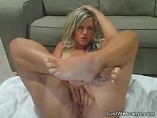 Blonde MILF squirts on webcam