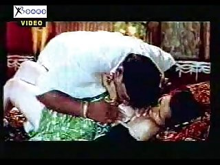 Hot mallu actress zabardasti blouse torn and boobs popping out