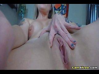 Babe with big natural tits masturbates on cam