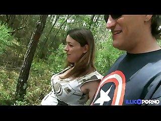 Stephanie se fait prendre dans les bois enceinte et entoure e de voyeurs full Video