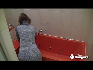 Amateur milf masturbates in the bath on hidden camera