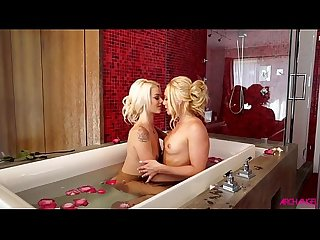 Aj and elsa hot lesbian action