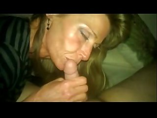 Super sexy skinny Aunt gives me slow head