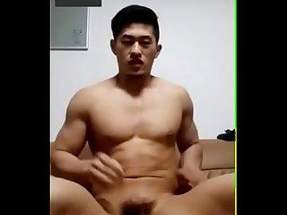 Anh trai show tm b n