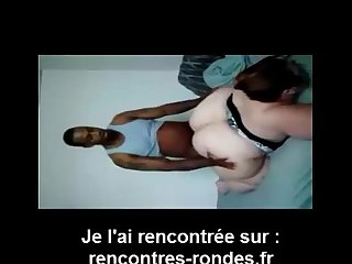 femme bbw bandante se fait prendre en levrette par homme noir
