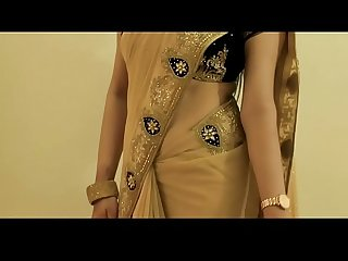 Hot girl saree wearing and showing her navel and back