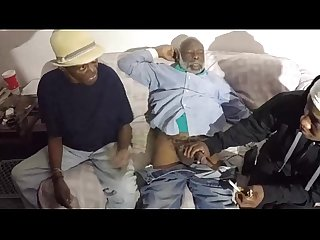 Dope man grandpa getting head from a bitch and her mom ghetto black