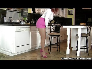 Pantyhosed milf Jessica O'Hare masturbates in kitchen