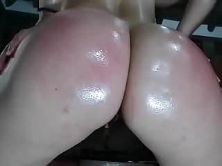 Amateur big white ass with oiled