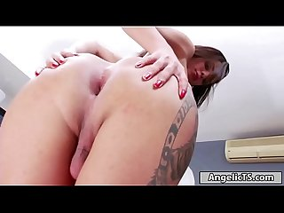 Shemale Pamela Surfistinha jerking off her big cock for cum