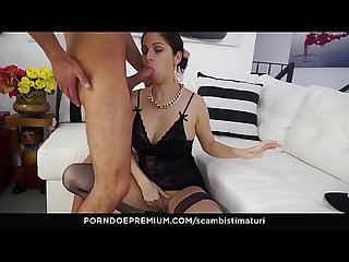 Scambisti maturi crazy ass fucking for raunchy italian minx